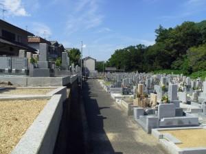 羽曳野市にあるお墓、誉田西墓地