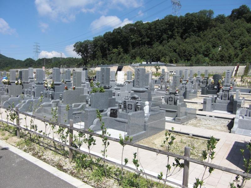 公営飯盛霊園の墓地