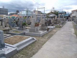 三ヶ地区墓地(藤井寺市)