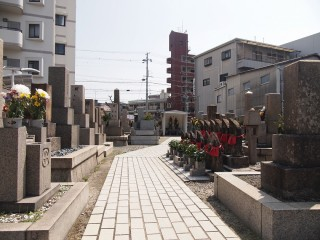 旧三番墓地(大阪市東淀川区)
