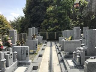 慈願寺境内墓地(高槻市)